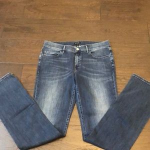 Brand New Escada jeans size 40 Made In Italy